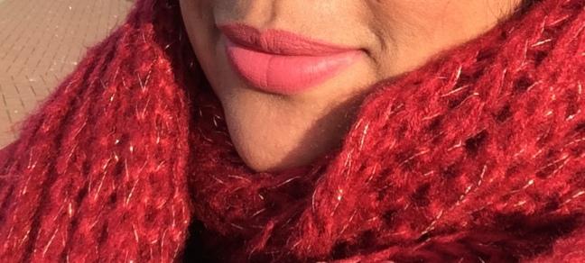 ini pake yang nude pink (nude-ist), gak pake filter apa2 juga fotonya dan sinar matahari pas di muka.