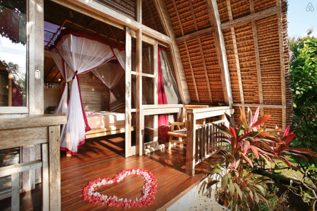 https://www.airbnb.com/rooms/2666768?checkin=04%2F27%2F2015&checkout=04%2F30%2F2015&guests=2&s=ivCw