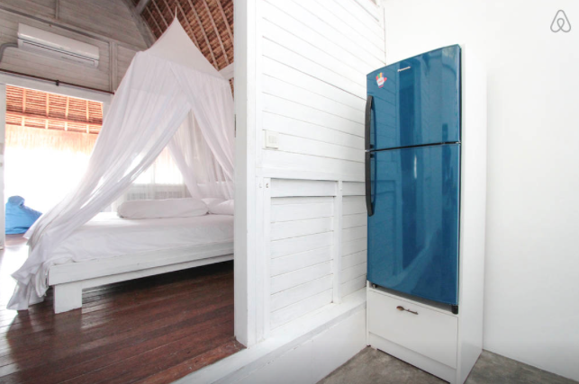 https://www.airbnb.com/rooms/3967678?checkin=04%2F27%2F2015&checkout=04%2F30%2F2015&guests=2&s=ivCw