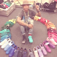 Warna Warni Adidas & Pharrell Williams