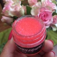Merawat Bibir dengan Lip Scrub