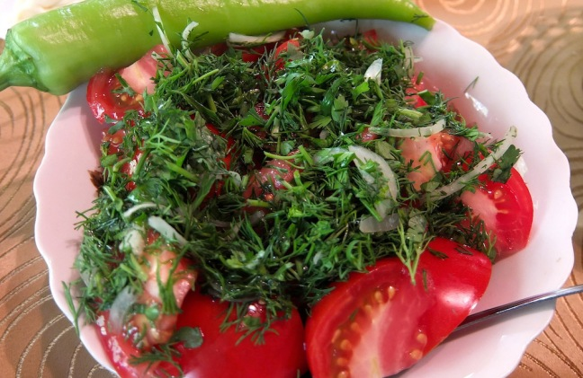 Turkish Salad with Dill