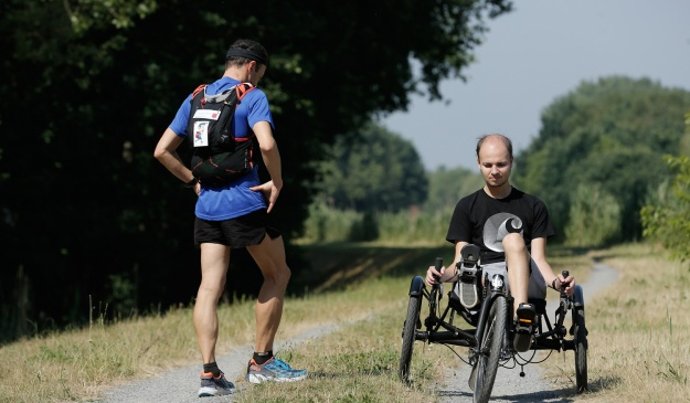 https-_nieuws.kuleuven.be_en_content_2017_patients-inspire-cancer-researcher-to-run-to-compostela_@@images_image_