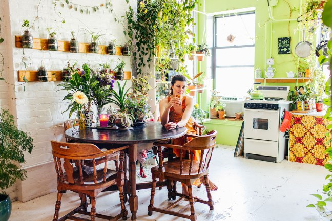 Summer-Rayne-Oakes-Plant-Filled-Apartment-in-Williamsburg-Brooklyn-portrait-2